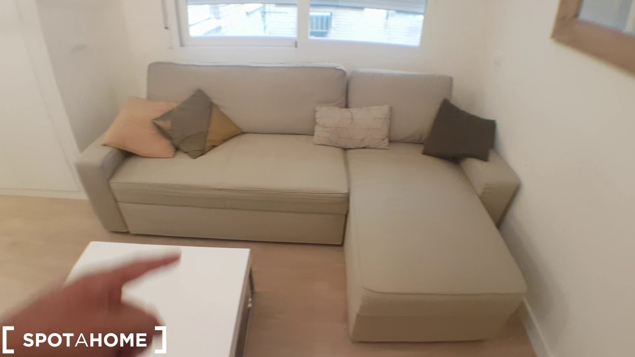 Modern studio apartment with AC for rent in Salamanca