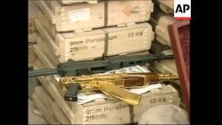 تحميل اغاني GWT: Custom-made weapons found in Uday's house MP3