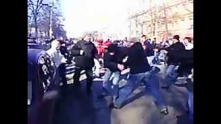 Fight Video Жесть!!Драка фанатов Факела и Орла!!!