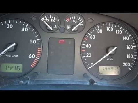 Nach der Auftankung im Wagen riecht nach dem Benzin