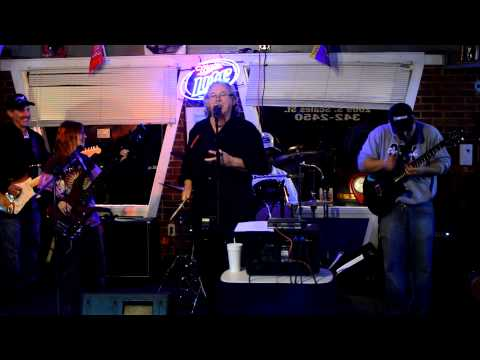 New Years Eve 2012  with Floydz Circle -  Muddy Water