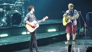 Shawn Mendes -Mercy (Ed Sheeran Comes Out) August 16, 2017 Barclays Center - dooclip.me