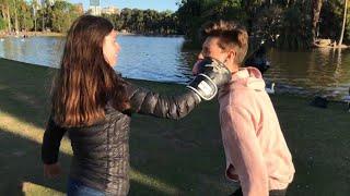 BESOS FÁCILES / BESANDO A DESCONOCIDAS / Kissing prank