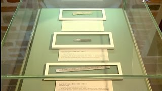 Выставка Владычной палаты пополнилась пятью берестяными грамотами XIV-XV вв