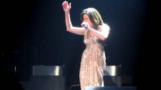 Martina McBride singing O Holy Night! AMAZING!