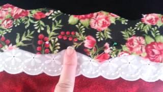 Costurando tecidinhos e bordando em pano de prato