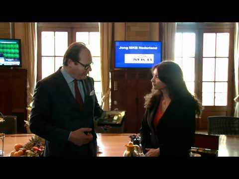 Tatjana Sormaz luidt de gong voor de banenmotor