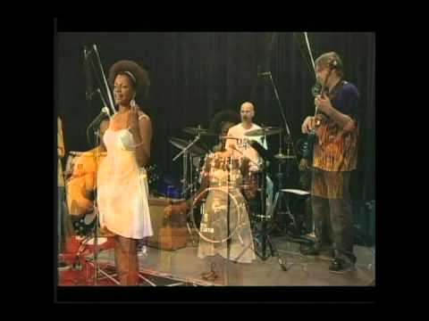luz do sol (Caetano Veloso) performed by Eliana Marcia