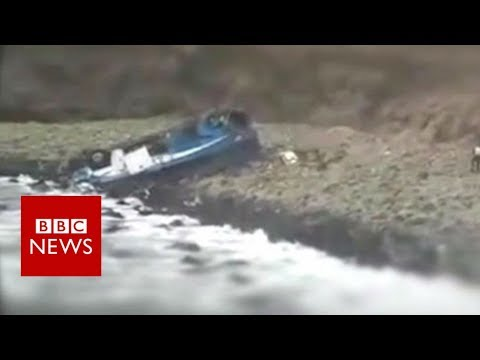Peru Pasamayo: Bus plunges off cliff – BBC News
