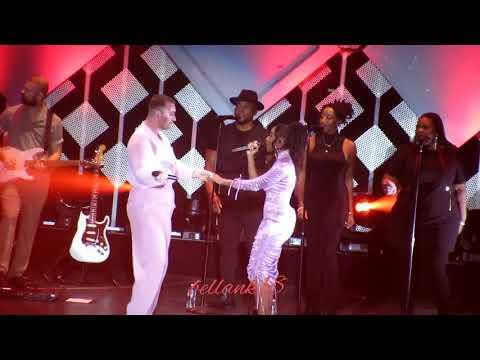 Fancam: (Dancing With a Stranger) Sam Smith & Normani @ Jingle Ball LA 2019