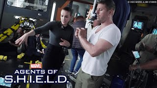 Behind the Scenes of Marvel's Agents of S.H.I.E.L.D. with Elizabeth Henstridge !