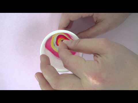 Der Nagelzwang die Behandlung vom Laser in lipezke