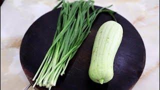 丝瓜别炒着吃了,加1把韭菜,酥脆又鲜香,比吃肉还过瘾