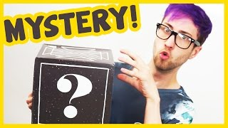 WHAT'S INSIDE THE MYSTERY BOXES???