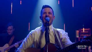 """Jared Deck performs """"Great American Breakdown"""" on DittyTV"""