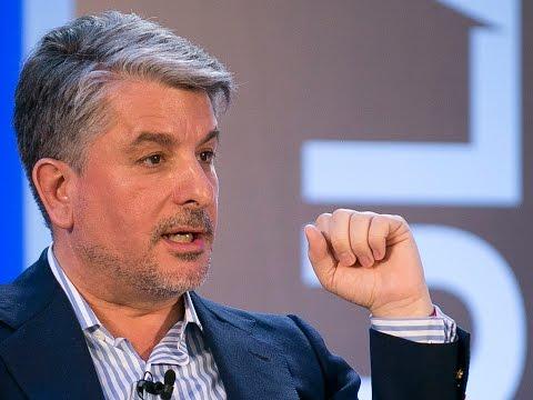 Juan Pedro Moreno, presidente de Accenture España, sobre la importancia del inglés