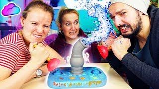 ROHR FREI Challenge - Wer wird NASS GESPRITZT? Kathi VS NINA VS KAAN - Klempner Spiel Plumber Clash