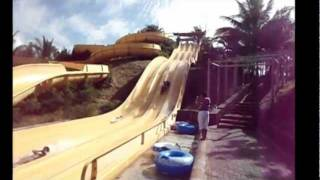 preview picture of video 'Fun at Waterpark Mauritius ... with Fuji Finepix XP20'