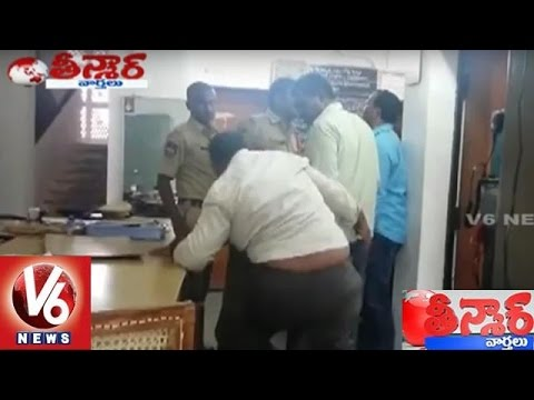 Drunk Man Hulchul In Siddipet Police Station || Teenmaar News || V6 News