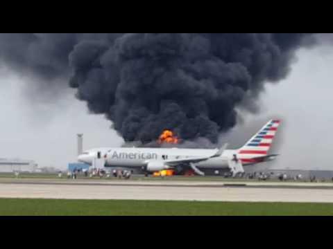 В Чикаго сгорел пасажирский самолет компании Boeing