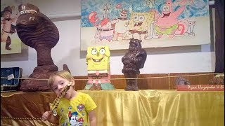 Международный День Шоколада Риша пробует вкусняшки Прогулка по Одессе Музей Шоколада Day Chocolate