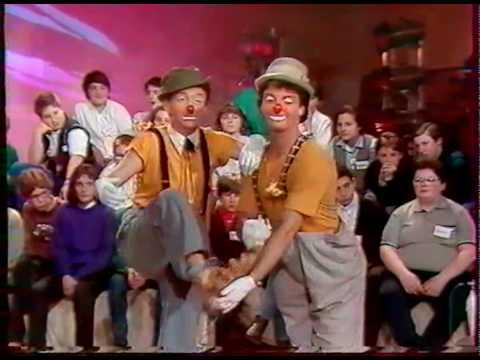 Sylvio Bolinio Clown chante et rend Hommage à Monsieur Louis de Funès  Sur France 3  .