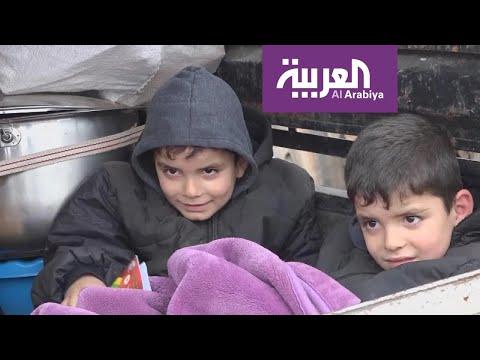 العرب اليوم - شاهد: السوريون بين نيران القصف وزمهرير الطقس للعام التاسع