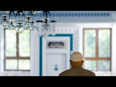 Γερμανία: Πολιτικοί διαξιφισμοί για το κήρυγμα των ιμάμηδων