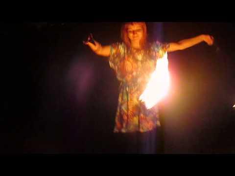 Paf83 - Анастасия Кувшинова крутит пои на Зеленом Острове 9 августа 2014г