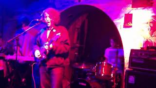 "Spectrals - ""Big Baby"" (Live at The Shacklewell Arms)"