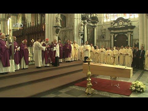 Obsèques de Mgr Lemmens en la Cathédrale Saint-Rombaut de Malines (Belgique)