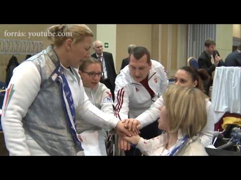 Nyitrai Zsolt miniszteri biztos és Szekeres Pál háromszoros paralimpiai bajnok és olimpiai bronzérmes vívó miniszteri biztos videóüzenete a kerekesszékes vívóknak az egri IWAS Vívó Világkupára