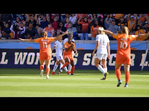 Nichelle Prince opens the 2019 scoring for the Dash