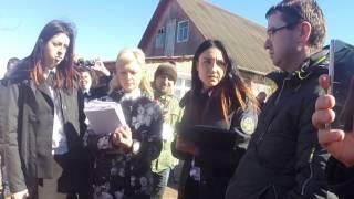 Принудительное выселение семьи женщины, которая протестовала на кране.