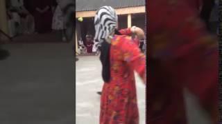 ЗУБАЙРА ТУХУГОВ танцует лезгинку