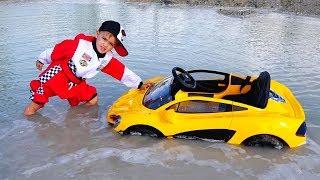 تحميل اغاني Nikita ride on children's car and stuck in a puddle MP3