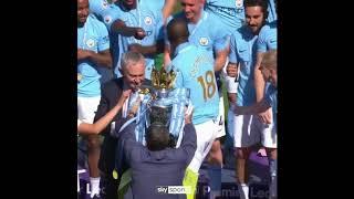 """Во время церемонии награждения """"Манчестер Сити"""" произошло то, чего не ожидал никто"""
