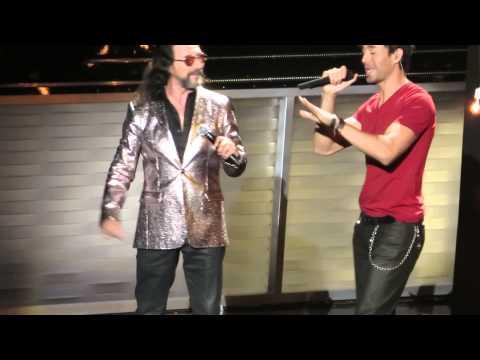 Enrique Iglesias & Marco Antonio Solis - El Perdedor (Live from Miami)