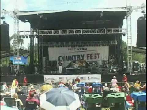 Rusty Whitfield at Country Fest 2009