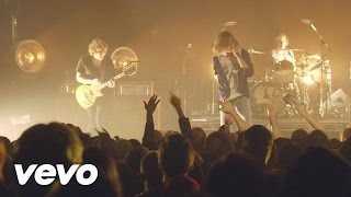 Cage The Elephant  In One Ear Live From <b>The Vic </b>In Chicago