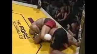 Pierwsza walka POPKA w klatce MMA