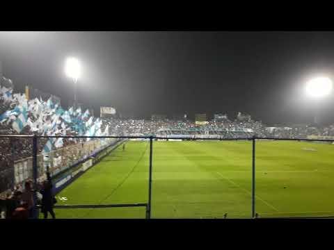 """""""Imprsionante Recibimiento de Atlético Tucumán vs Independiente De Avellaneda ( Copa Sudamericana )"""" Barra: La Inimitable • Club: Atlético Tucumán"""