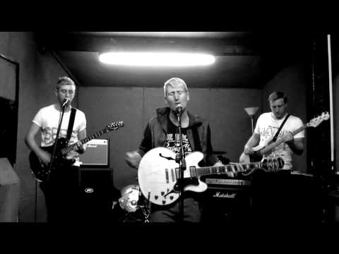 The Electric Modern - Look Back (Official Music Video)