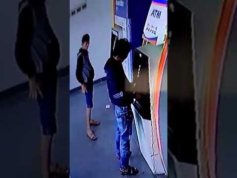 PEMBOBOL ATM TEREKAM CCTV...