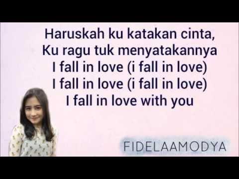 Prilly latuconsina   fall in love