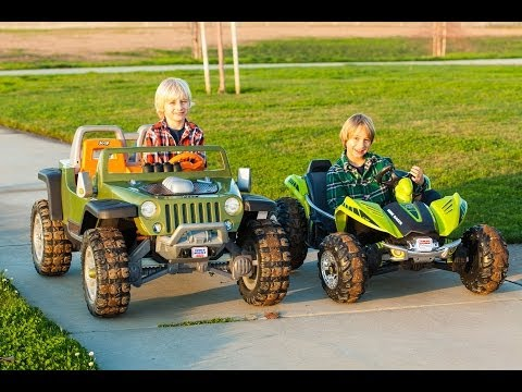 Power Wheels Tug-of-War 2 - Jeep Hurricane vs Dune Racer!