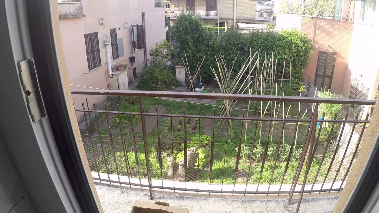 Room for rent to postgraduates and workers in apartment with balcony in Giardinetti