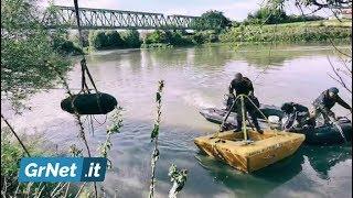 Marina: i palombari rimuovono dal fiume Adige due bombe d'aereo americane da 1.000 libbre