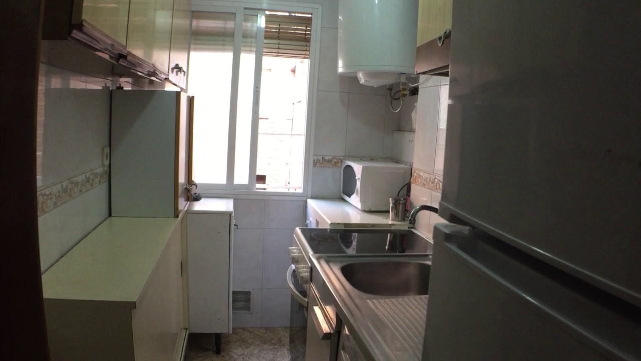 Rooms to rent in bright 4-bedroom apartment near Parque del Cerro del Tio Pio