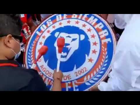 """Previa Barra Ultra Fiel con el Bombo"" Barra: La Ultra Fiel • Club: Club Deportivo Olimpia • País: Honduras"
